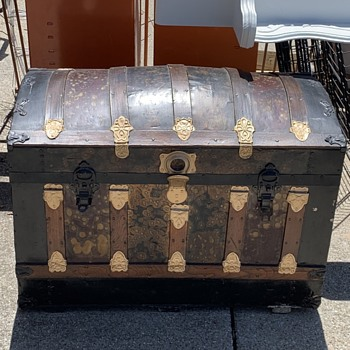 Barrel Top Trunk Information  - Furniture