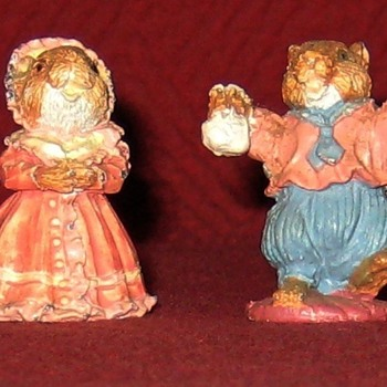 Little Girl and Boy Mouse (Vintage Cold Painted Lead Figure) - Animals