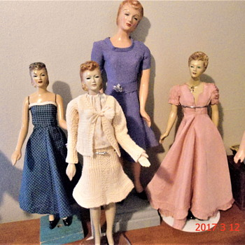 A Few Miniature Mannequins 1940's - Dolls
