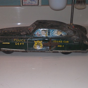 Old, dirty, beat up Dick Tracy Car - Model Cars