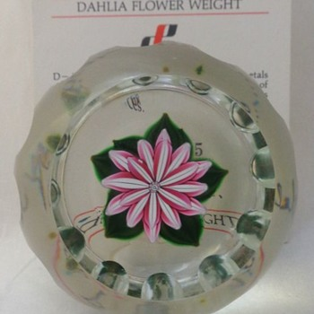 1985D Dahlia Blossom Perthshire Paperweight - Art Glass