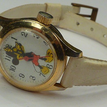 unmarked mickey mouse - Wristwatches