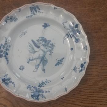 English Delft ? Dutch Delft ? Tinned Glaze ? Strange Makers Mark ? Help !! - China and Dinnerware