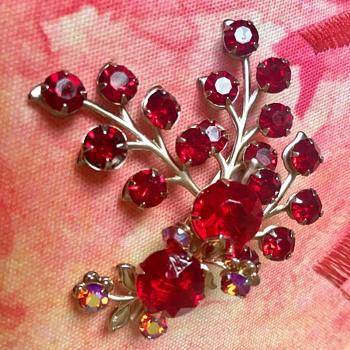 Unknown Red rhinestone  - Costume Jewelry
