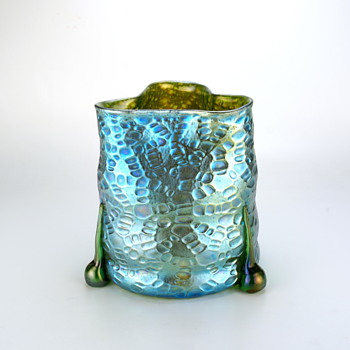 Loetz Diaspora by Koloman Moser for the Retailer Bakalowitz  - Art Glass