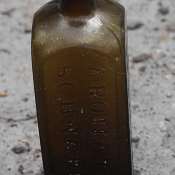 ~~~Early Aromatic Schnapps~~~ - Bottles