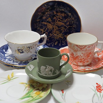 Odd lot of Cups and Saucers - China and Dinnerware