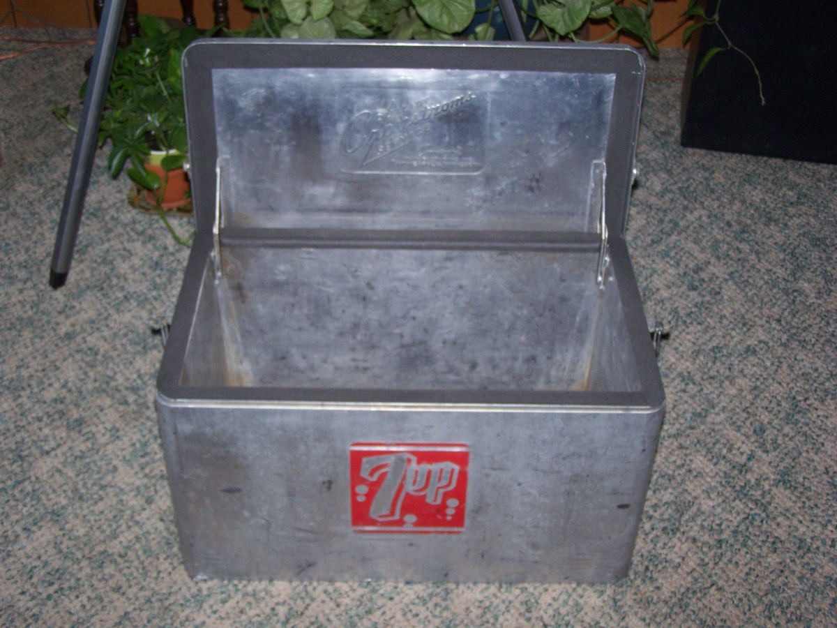 1950's Aluminum 7up Cooler by Cronstoms | Collectors Weekly