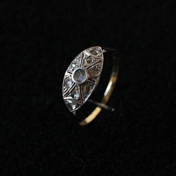 Art nouveau 18 carat gold and diamond ring
