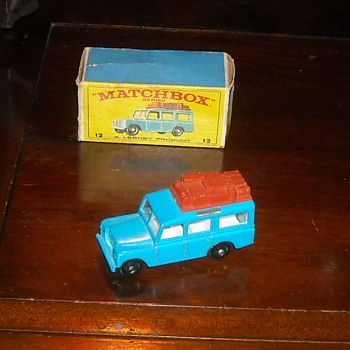Matchbox MB12 Safari Land Rover with E Style Box - Model Cars