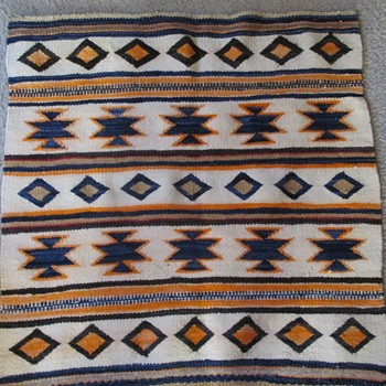 Navajo saddle blanket/rug circa 1920's - Rugs and Textiles
