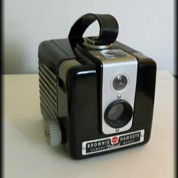 BROWNIE HAWKEYE CAMERA FLASH MODEL - KODAK - Cameras