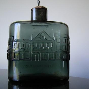 """Bottle by Nuutajarvi Notsjo """"Sydney in the 1840's"""" - Art Glass"""