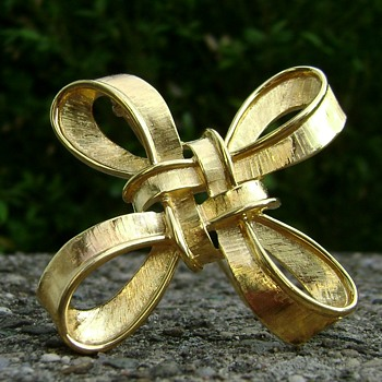 Trifari TM Ribbon Brooch - Costume Jewelry