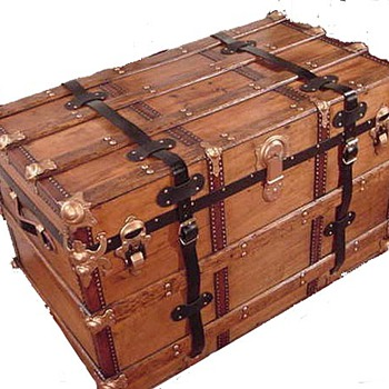 Help! I need to identify my trunk. I want to start a new hobby! - Furniture