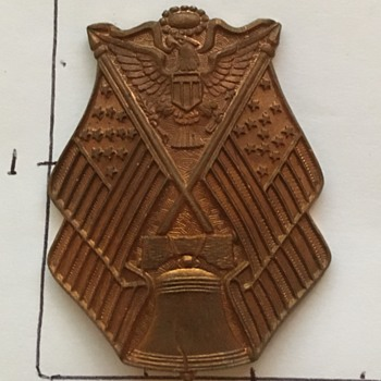 Military Badge (?) - Medals Pins and Badges
