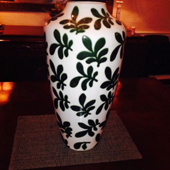 Looks like a Matisse Cutout - Pottery