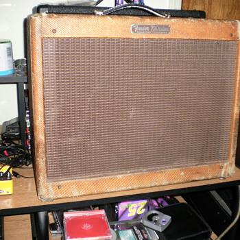 1957 vibrolux amp. 5f11 - Guitars