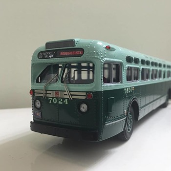 Model of 1957 GM New York City Transit Authority Bus (1:48) - Model Cars