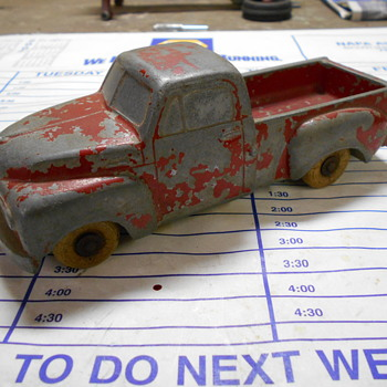 Studebaker toy truck - Model Cars
