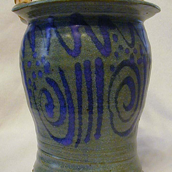 American handled pot - Pottery