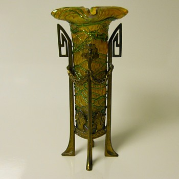 BOHEMIAN ART NOUVEAU BRONZE MOUNTED GREEN THREADED GLASS VASE,Circa 1900 - Art Glass