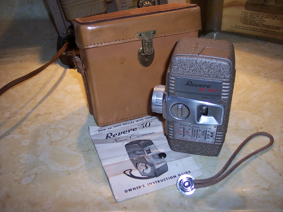 Keystone 8mm projector and Revere 8mm camera    Collectors