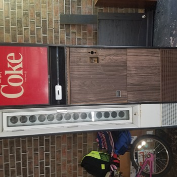 My coke machine that I can't figure out how old it is. Please help - Coca-Cola