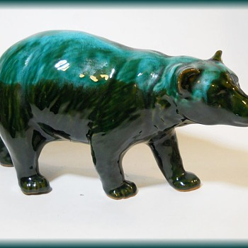 Canadian Pottery Heavy Glaze - Bear - Pottery
