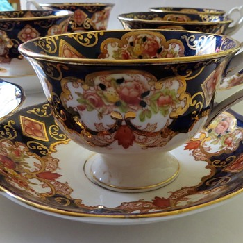 Royal Albert Tea Set - Pattern Heirloom - China and Dinnerware