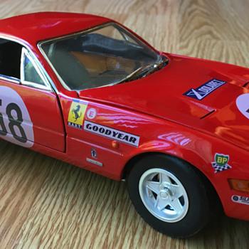 Hotwheels Ferrari 365 GTB/4 Daytona 1/18 scale - Model Cars