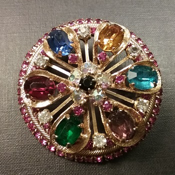 Warner wheel brooch  - Costume Jewelry