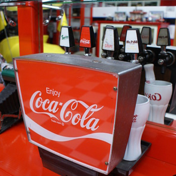 Coca Cola dispenser - Coca-Cola