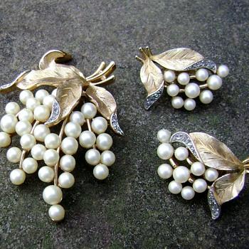 Trifari Brooch Set - Gems of the Sea - Costume Jewelry