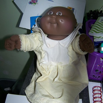who is this cabbage patch kid - Dolls