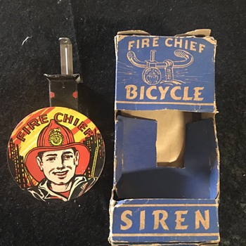 Old bicycle siren still in the original box  - Sporting Goods