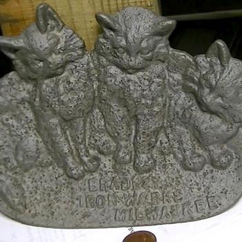 Figural Kittens Cast Iron Spoon Rest Bradley Iron Works Milw.  - Kitchen