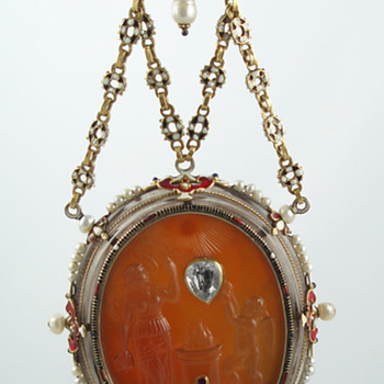 """Renaissance"" double-sided pendant by Reinhold Vasters - Fine Jewelry"