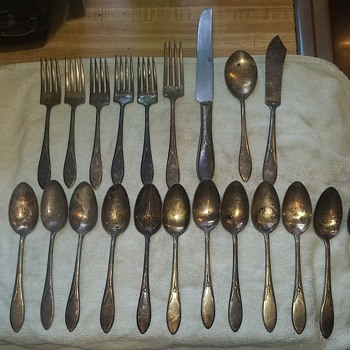 Looking to complete inherited set of Wm. Rogers Silverware