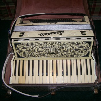 Vintage Scandalli Delfino Accordion - Musical Instruments