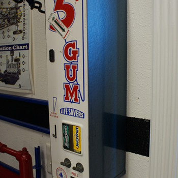 Gum/lifesaver vending machine - Coin Operated