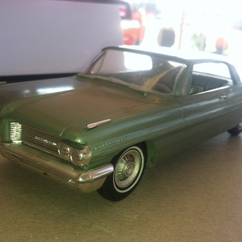 1962 Pontiac Bonneville 8 lug wheels