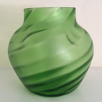 Ribbed and dimpled satin glass vase - Art Glass