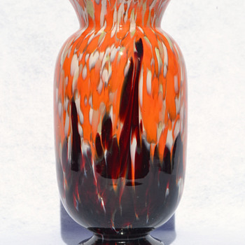 KRALIK - large bomb-shape spatter vase - Art Glass