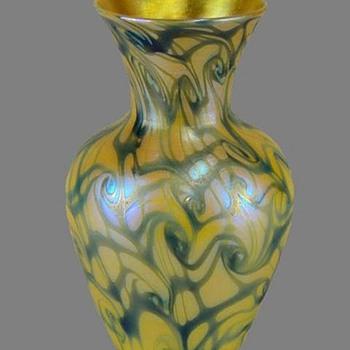 Quezal vase c. 1920