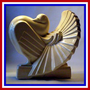 RARE FRIE-ONNAING ART DECO MAJOLICA PIGEON - Art Deco