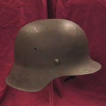 WW II German M 42 Luftwaffe Helmet