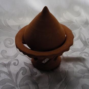 CLAY POTTERY - Pottery