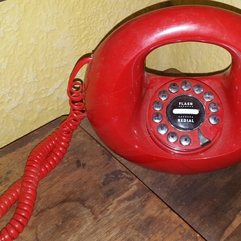 Vtg. Retro 1970s Western Electric SCULPTURA Donut Touch Tone Phone--RED - Telephones