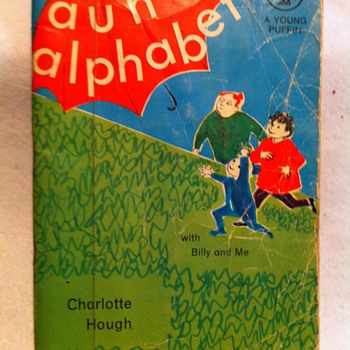 My Aunts Alphabet by Charlotte Hough - Books
